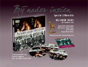 De DVD-box van de televisieserie BIJ NADER INZIEN; uitgegeven door Three Lines Productions