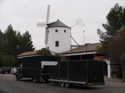 DE Combinatie Volkswagen Crafter & Trailer Hapert in La Mancha, Spanje