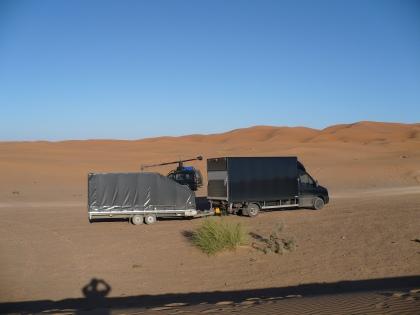 Wagenpark Filmothechnic - Russian Arm Team - in de Marokkaanse woestijn