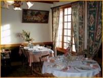 Eetzaal van Hotel-Restaurant Le Moulin Des Templiers - Maisonneuve/Chaudes-Aigues - Auvergne